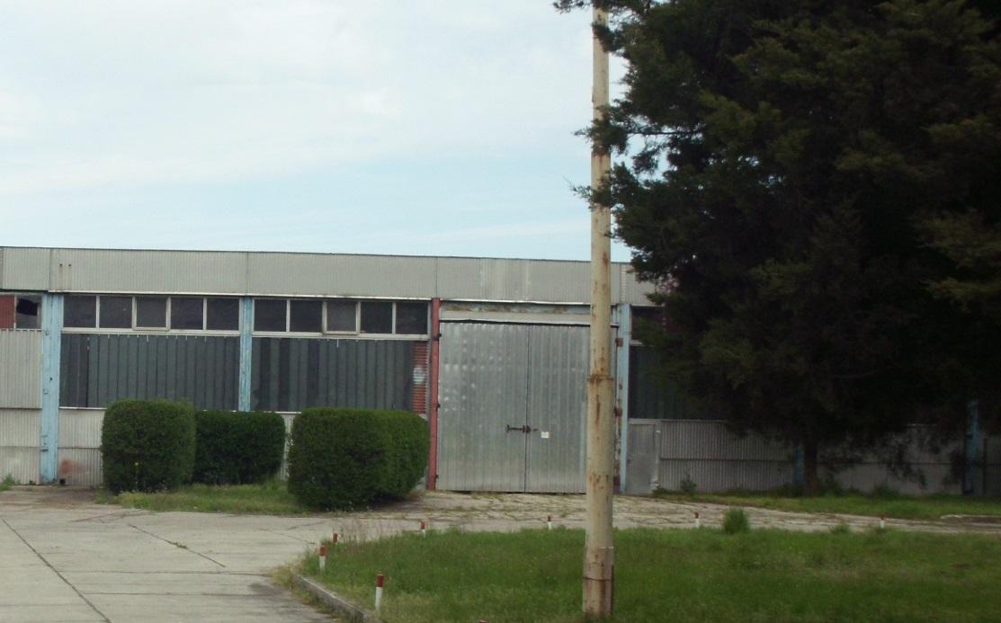 Mélykút ipartelepén 3000 m2 üzemcsarnok eladó