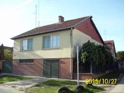 Két lakrészes,Hunyadi utcai családi ház