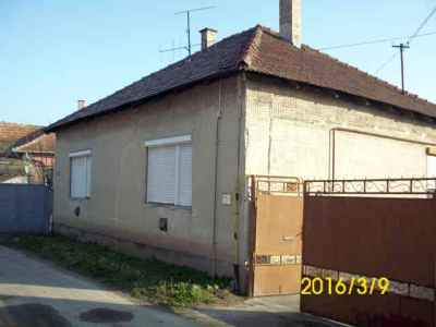 Kis ház a Szilády Áron utcában