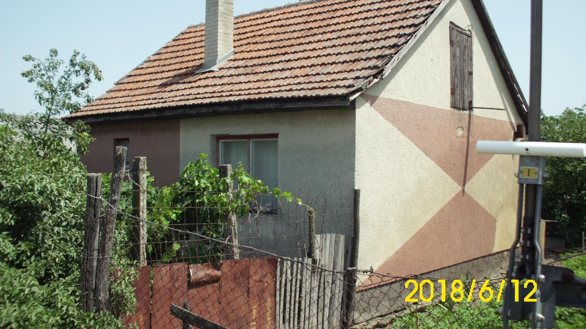 Sóstói zártkert épülettel