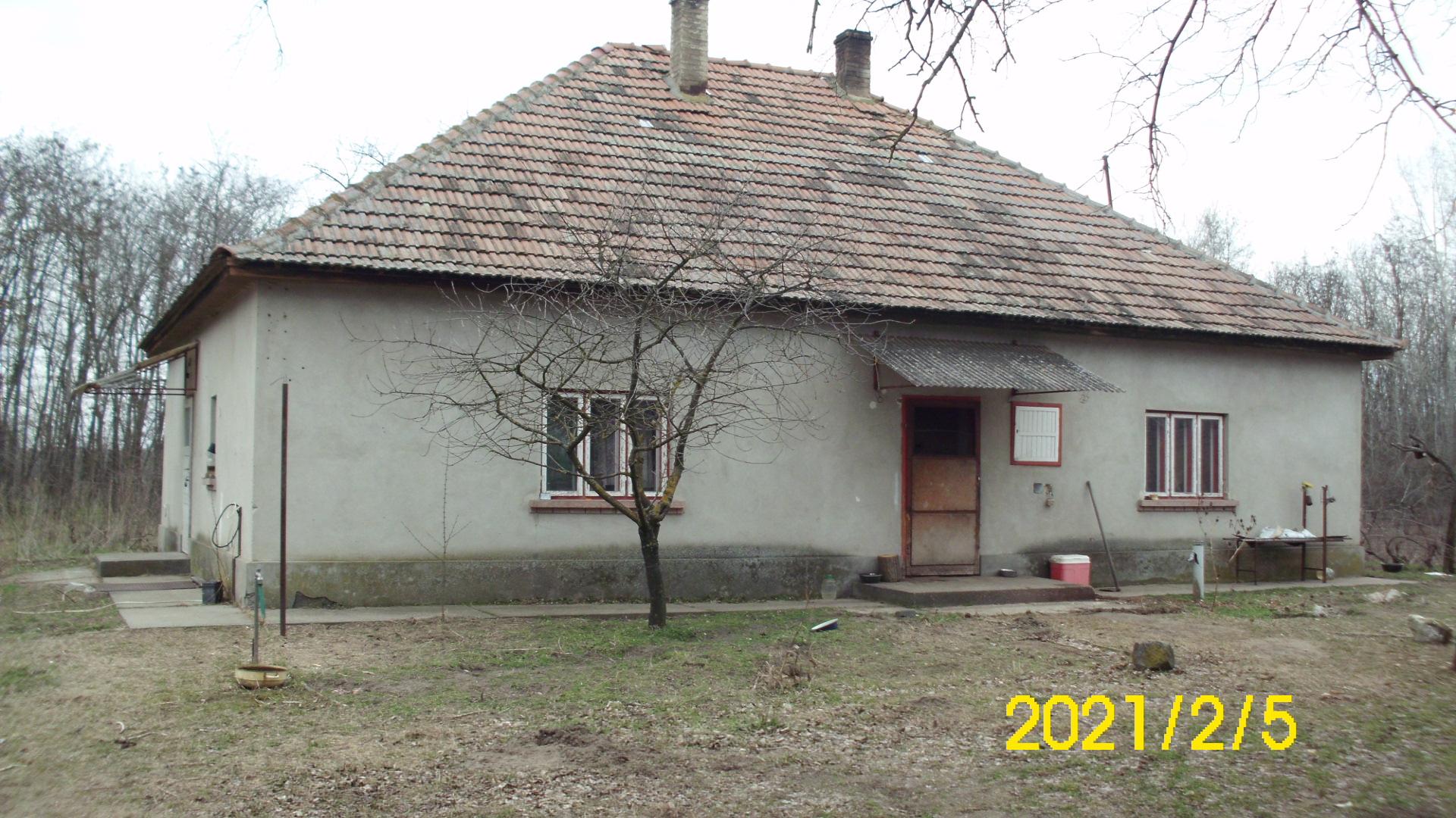 Balotaszállási 3 szobás tanya eladó