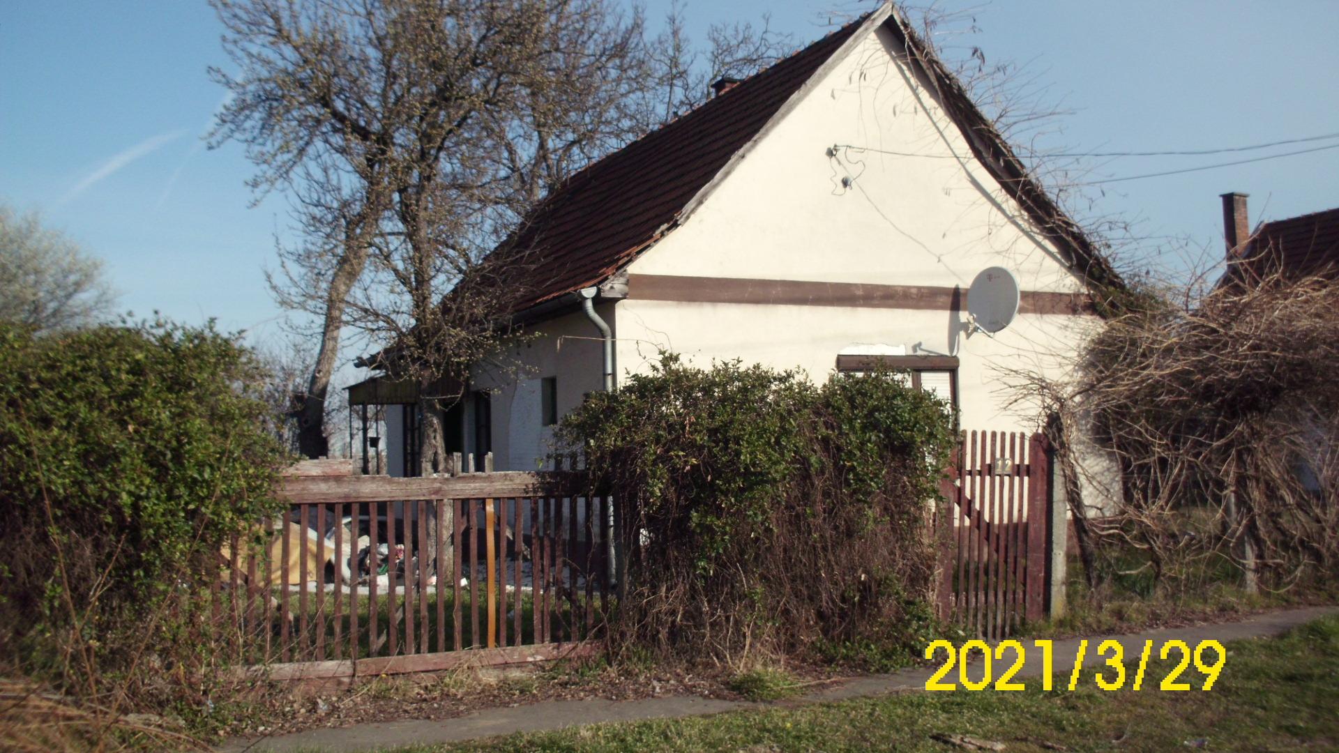 Kiskunhalas, Kötönyi úton családi ház eladó