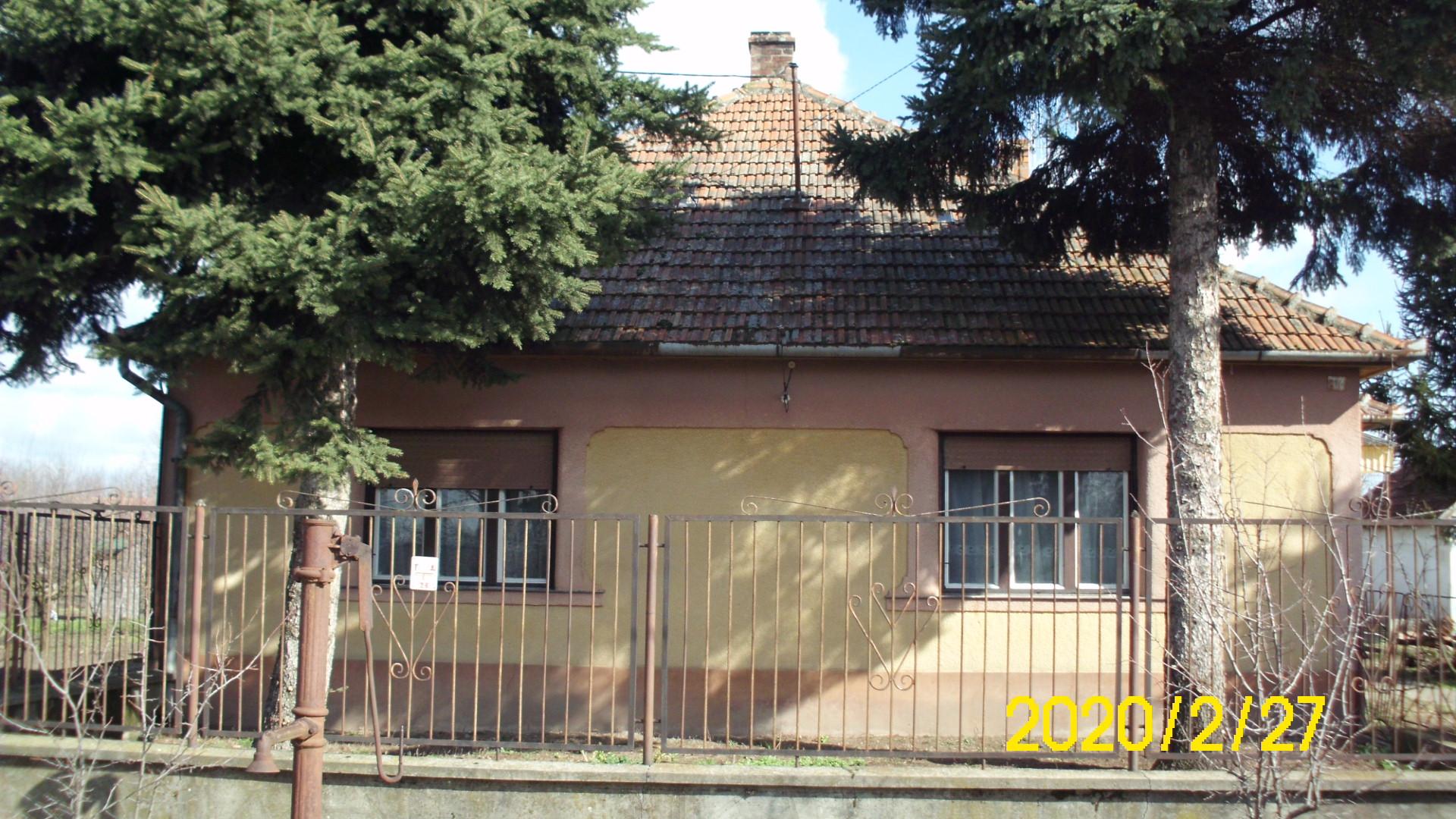 Jánoshalma 4 szobás központi fűtéses családi ház