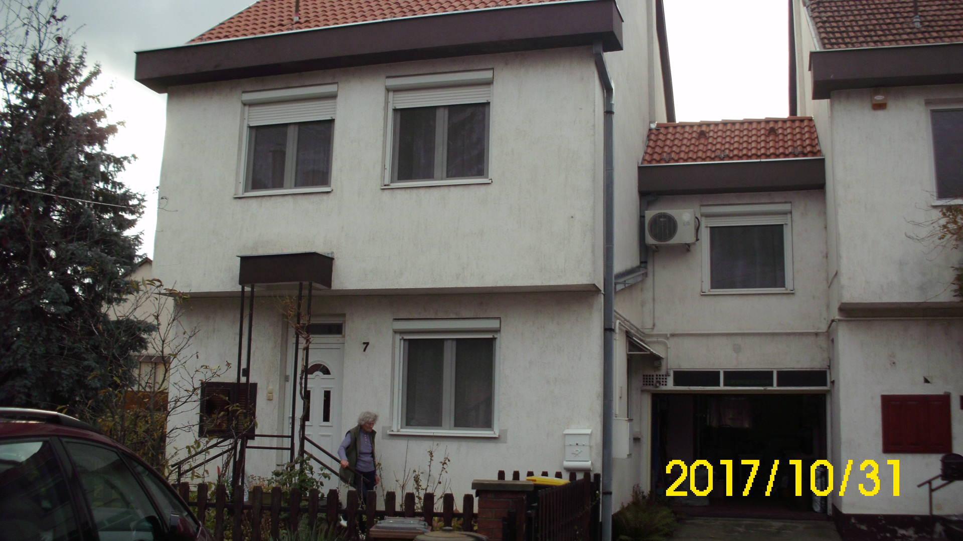 Kiskunhalas, Kertváros kétszintes felújított családi ház