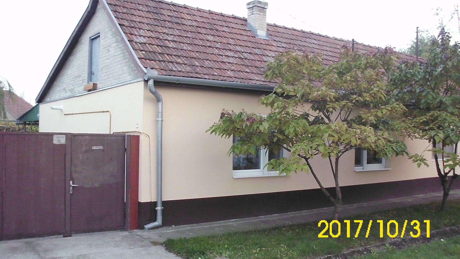 Felújított 2 szobás ház a Kármán utcában
