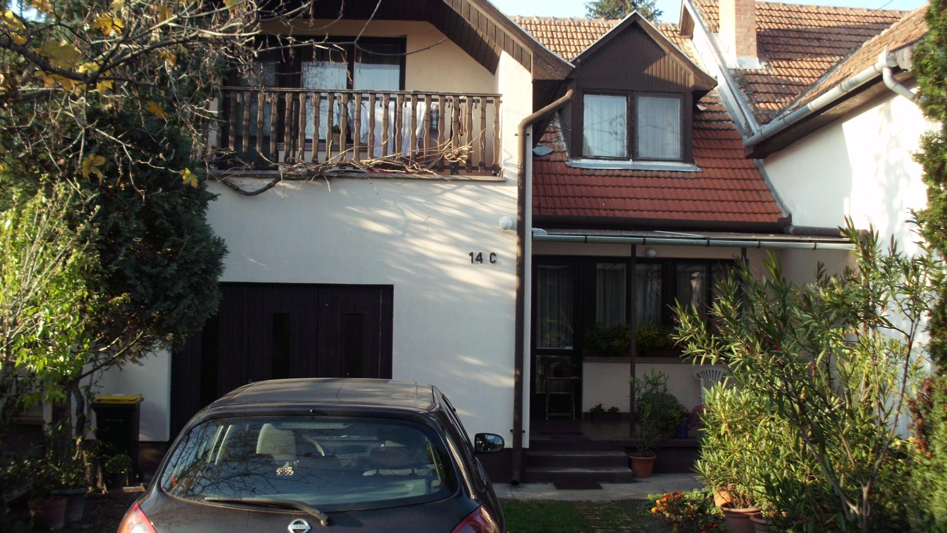 Kiskunhalas, Városközponthoz közeli sorház jellegű családi ház