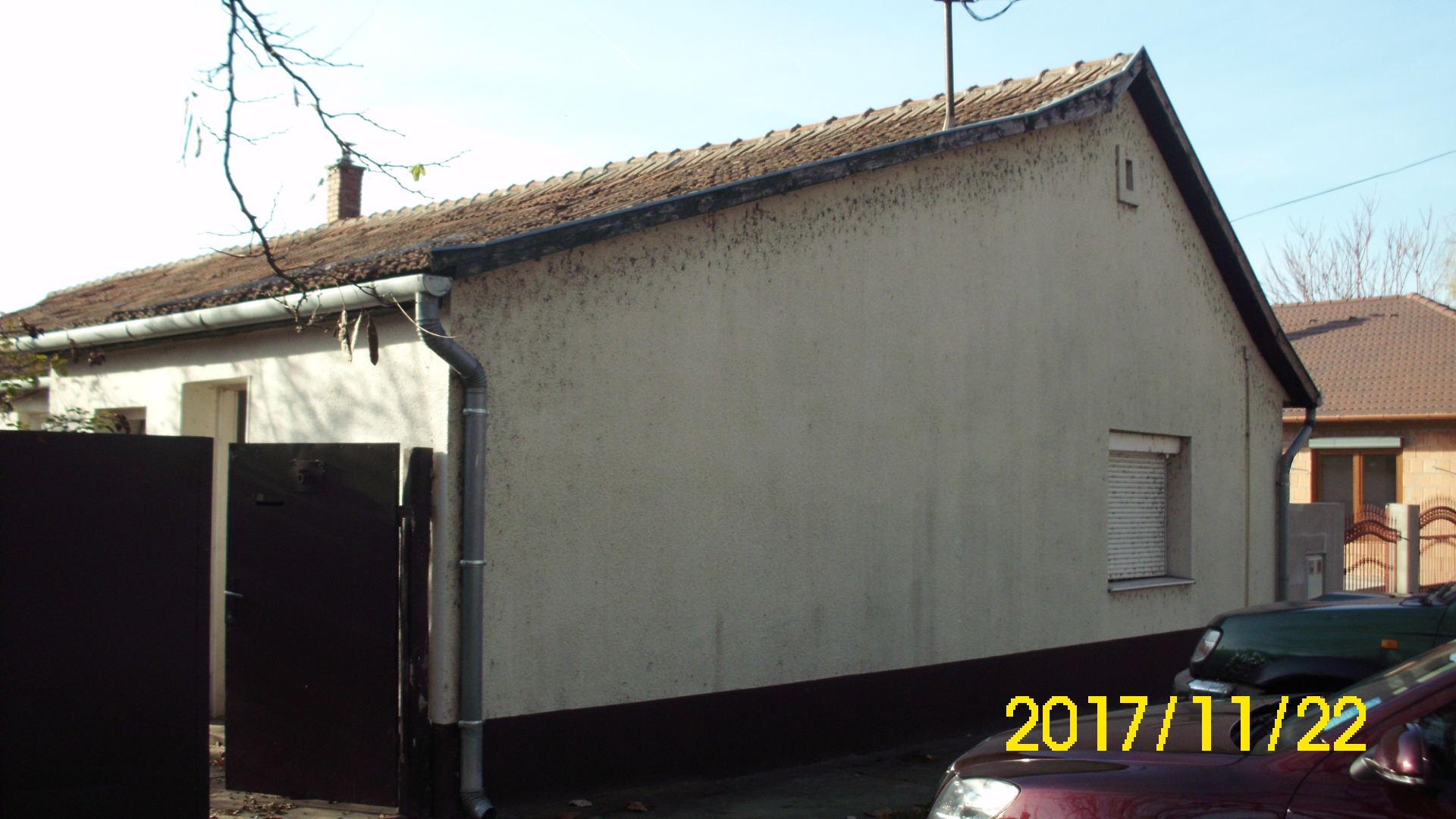 Jókai utcában akár két lakrészesnek használható ház