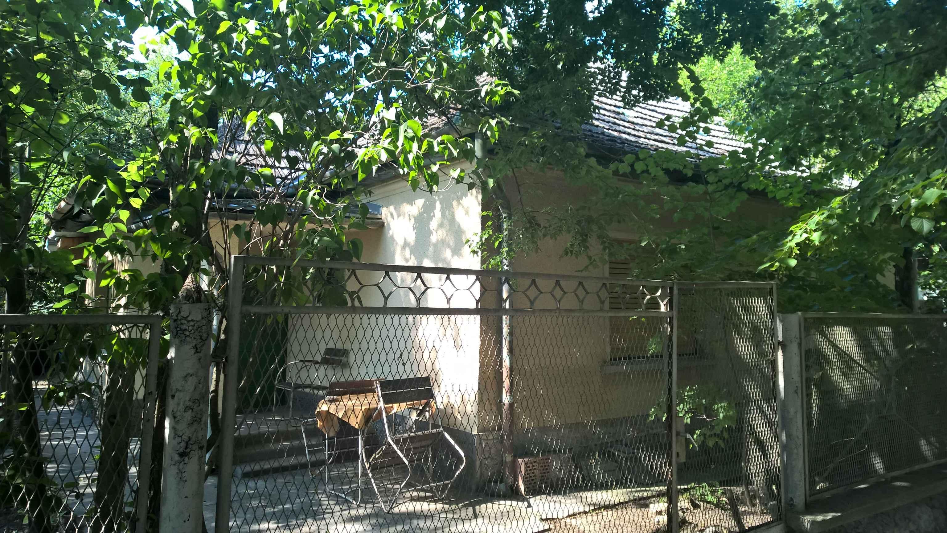 Kisszállás, Újfaluban 2 szobás családi ház