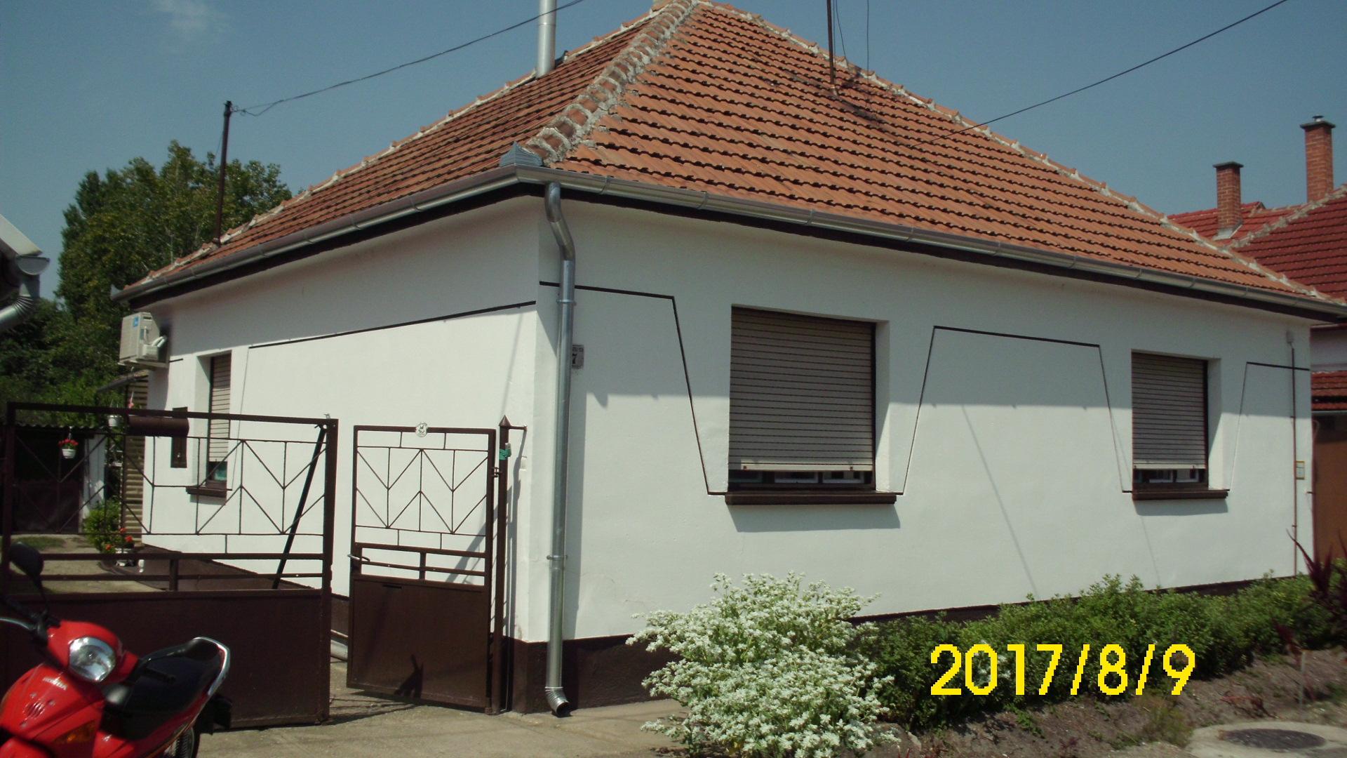 Kiskunhalas, Szántó K. utcában 2,5 szobás családi ház.